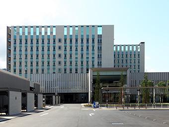 病院外観(北面)の写真